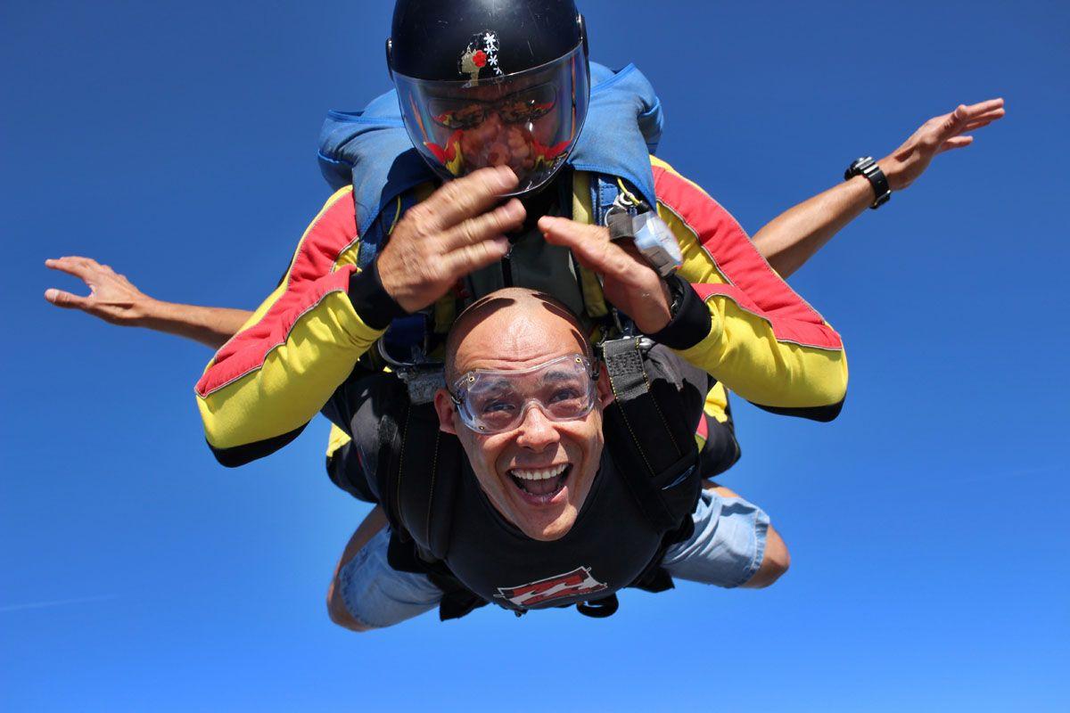 Un saut en parachute pour la fête des pères Actualité - Atlas Parachutisme
